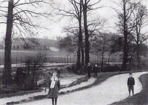 Old view of River Ravensbourne.